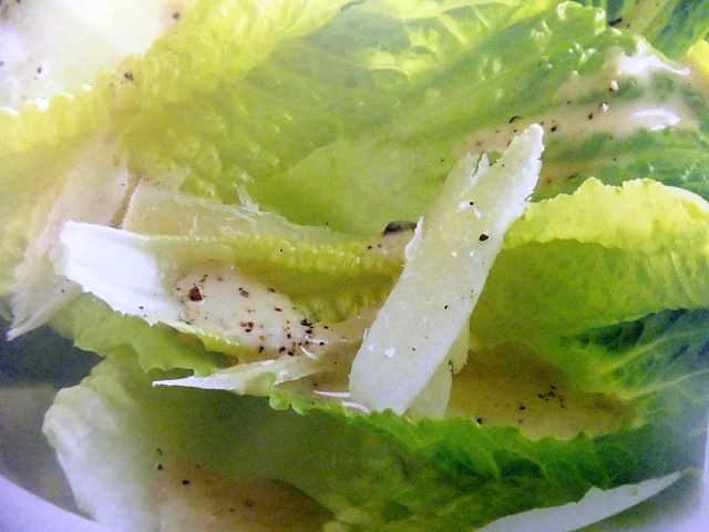 How to make classic Caesar dressings? Classic Caesar dressing recipes and ingredient shared on our page.