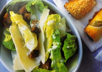 How to make classic Caesar salads? Classic Caesar salad recipes and ingredient shared on our page.