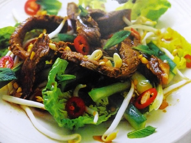 How to make hot Thai beef salads? Hot Thai beef salad recipes and ingredient shared on our page.