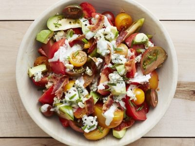 How to make blue cheese bacon dressings? Blue cheese bacon dressing recipes and ingredient shared on our page.