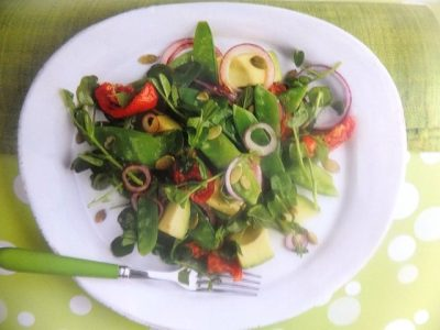 How to make mangetout and avocado salads? Mangetout and avocado salad recipes and ingredients shared on our page.