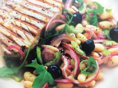 How to make seared tuna with bean and olive oil salads? Seared tuna with bean and olive oil salad recipes and ingredient shared on our page.