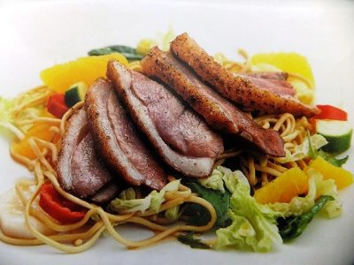 How to make Chinese duck, orange and noodle salad? Chinese duck, orange and noodle salad recipes and ingredients shared on our page.