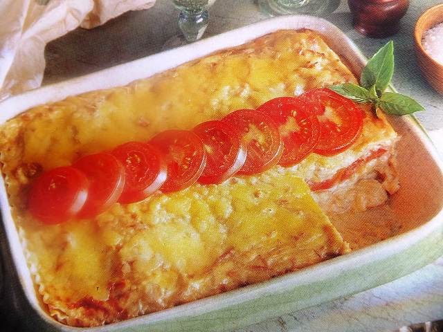 All the family will enjoy Tuna lasagne. It can be prepared in advence then cooked in the oven without any fuss. how to make Tuna lasagne? Tuna lasagne recipes.