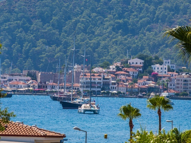 Accommodation in Marmaris ; Total bed capacity of Marmaris and its environs is over 80.000, and there are hotels and resorts fitting every holiday budget.