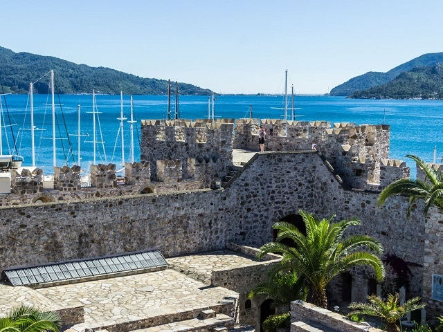 Marmaris History; In antiquity Marmaris was known as Physkos an it was one of the important port cities of the Carians.